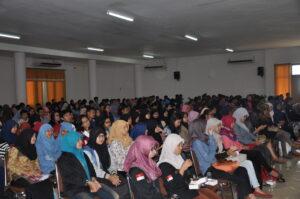Ratusan mahasiswa memadati acara
