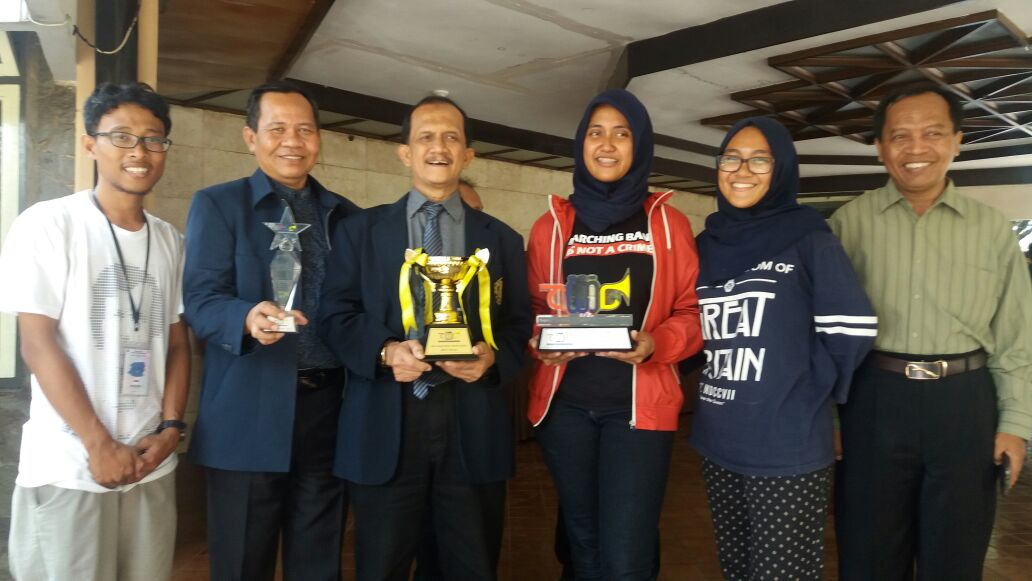 Tim Maching Band UB Bersama Wakil Rektor 3 Prof. Dr. Ir. Arief Prajitno, MS Dan Staf Kemahasiswaan Rektorat UB.