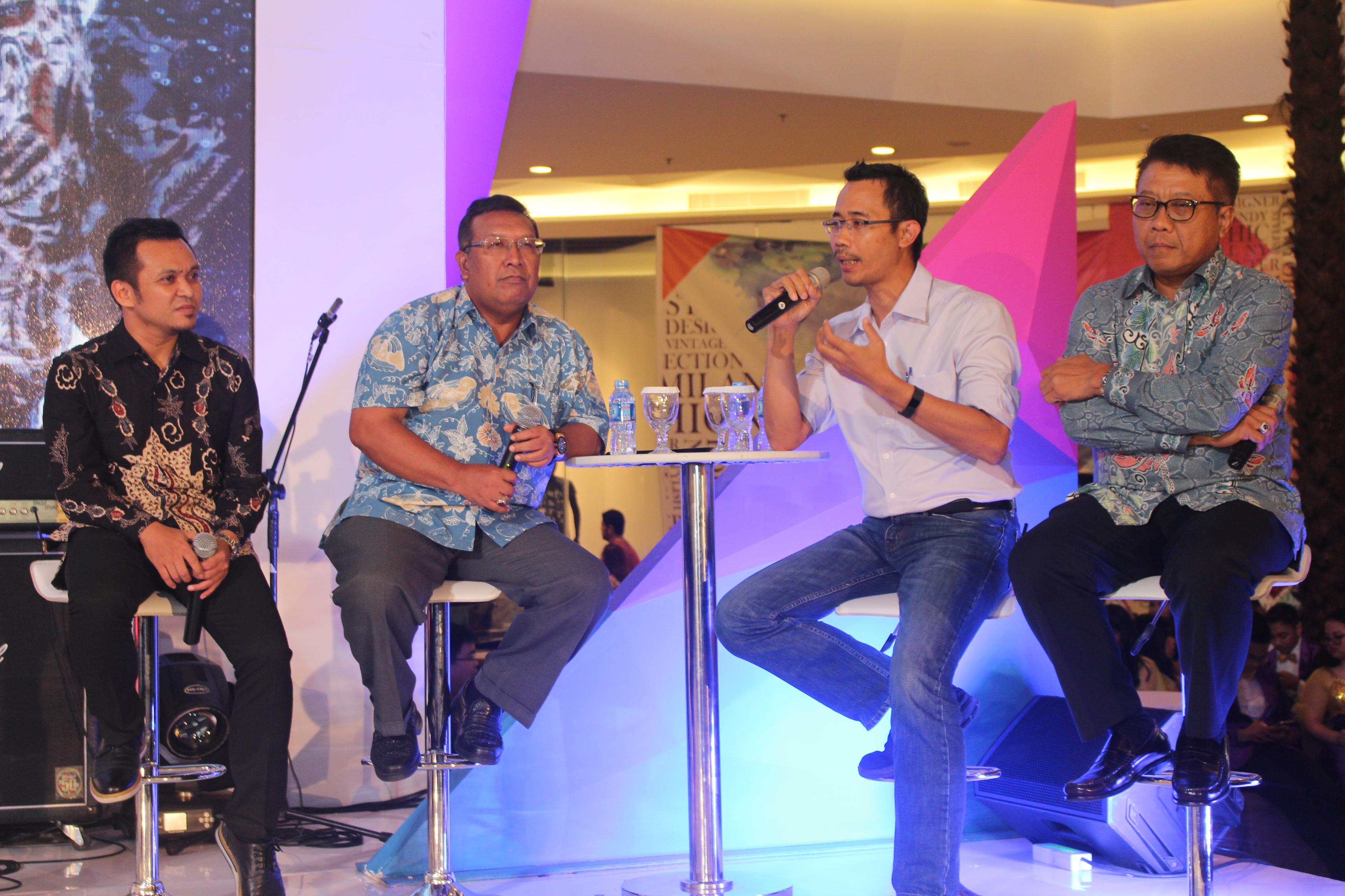 (Ki-ka) Mohammad Iqbal, Ahmad Bambang, Sunu Widyatmoko, Dwi Wahyu Daryoto