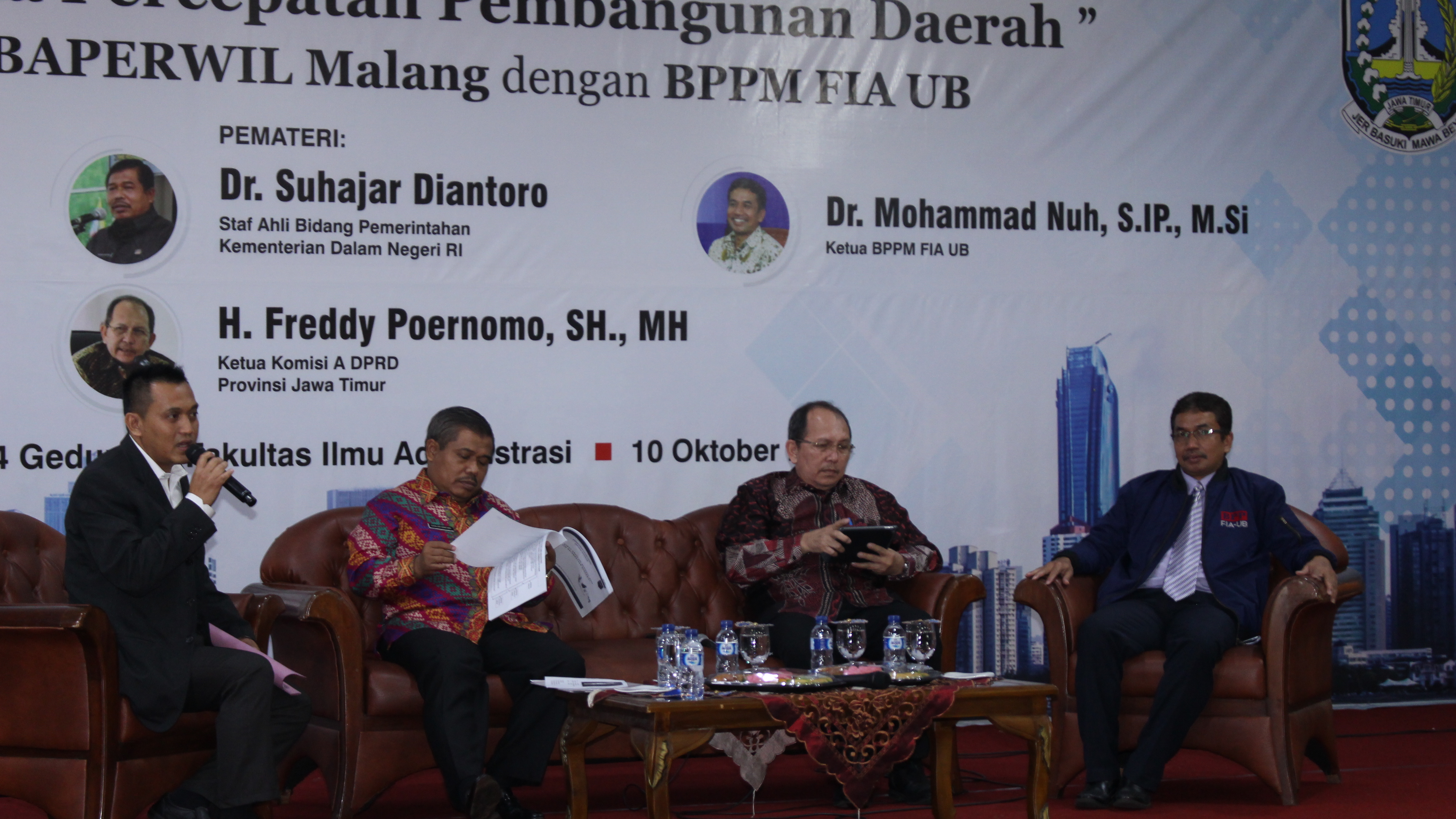 (Ki-ka) Moderator Romy Hermawan, Suhajar Diantoro, Freddy Poernomo, Mohammad Nuh
