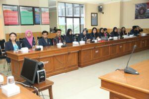 Tujuh belas mahasiswa peserta Magang Internasional