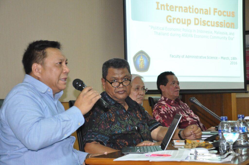 Kiri-kanan: Vichien Tansirikonghon, Ahmad Bambang Barrul Fuad, Mohd Fauzi Yaacob, Mardiyono