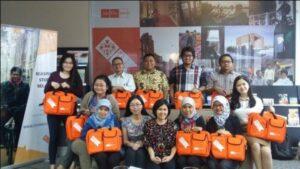 Foto 1. M. Kholid Mawardi, PhD bersama penerima beasiswa STUNED dari Indonesia