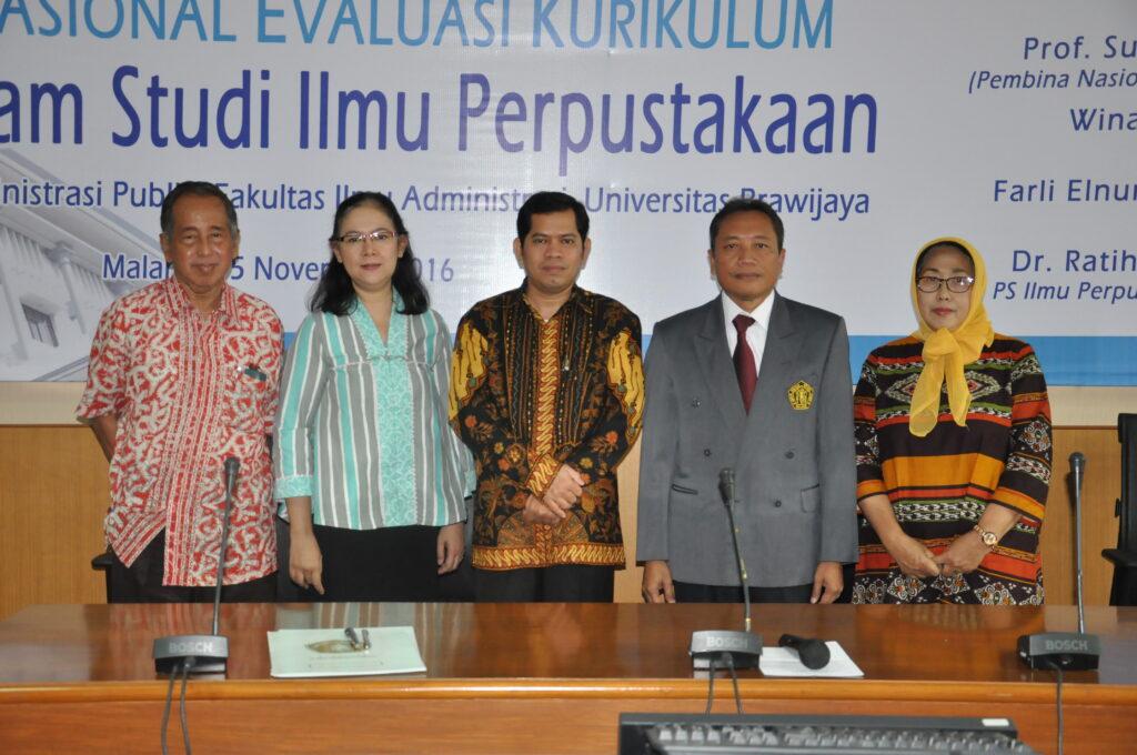 (Ki-ka) Prof. Sulistyo-Basuki, Dra. Wina Erwina, M.A., Farid Elnumeri, M.Hum., Prof. Dr. Bambang Supriyono, MS., Dr. Ratih Nur Pratiwi, M.Si