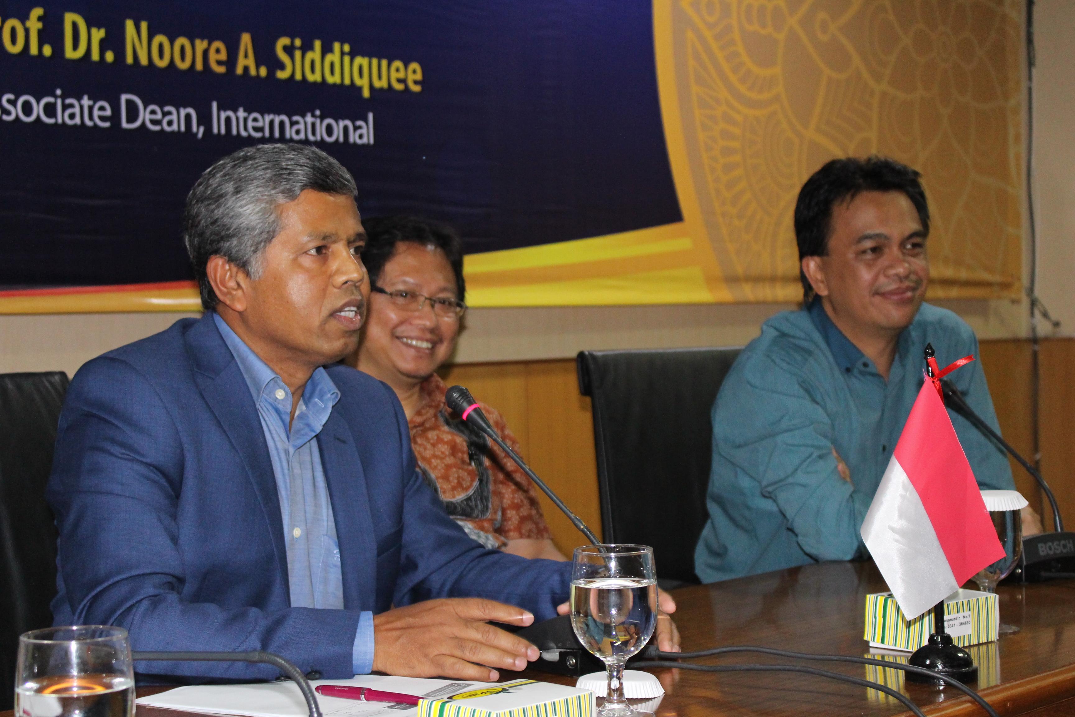 Prof Noor A Siddique (Flinders University): Menulis Itu Harus Siap Dikritik Dan Ditolak