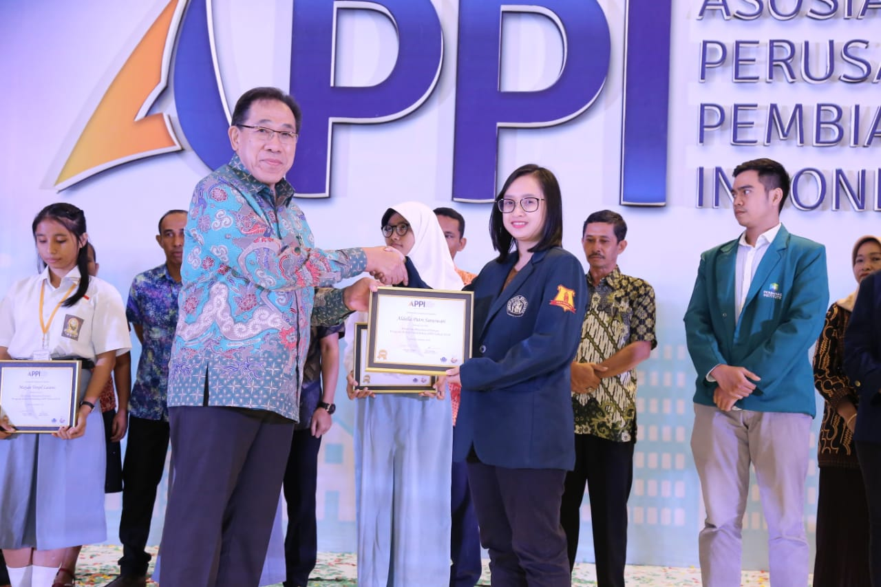 (Indonesia) Aldella, Mahasiswi FIA UB Raih Beasiswa Prestasi APPI