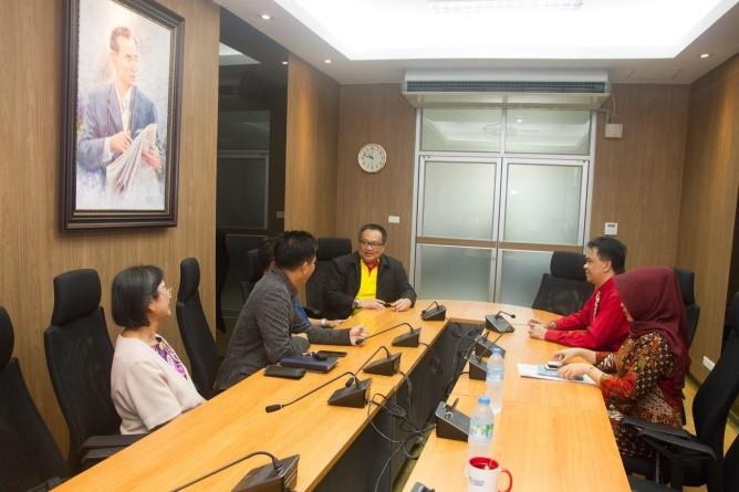 Dosen Jurusan Administrasi Publik Menjadi Guest Lecturer Di Thailand